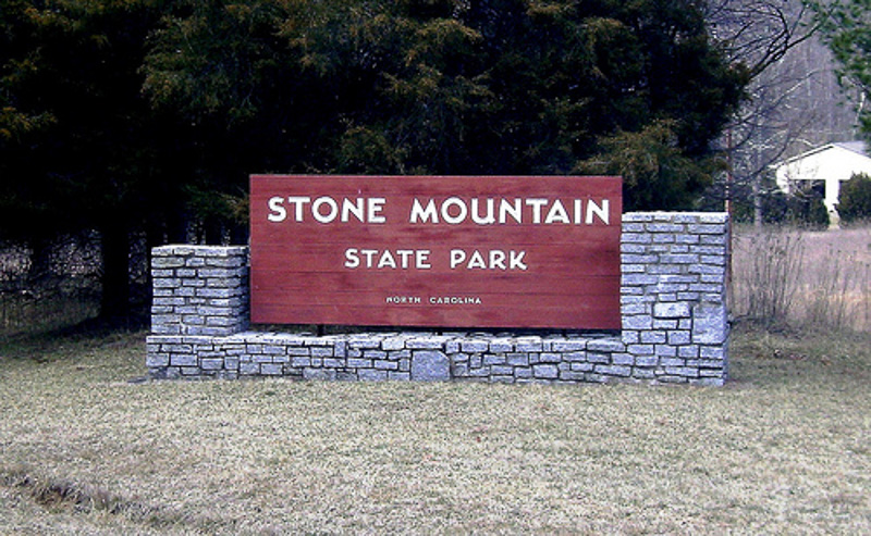 Entrance sign for Stone Mountain State Park